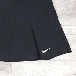N I K E》black tennis athletic dri-fit skort